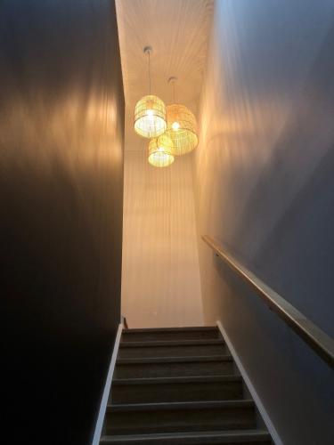 indoor stairway lighting